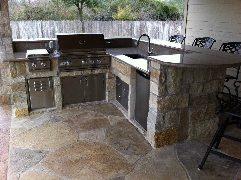 Granite Counters In An Outdoor Kitchen